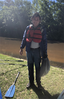 Xylem-Covington-Hosts-Family-River-Clean-Up-participant.jpg